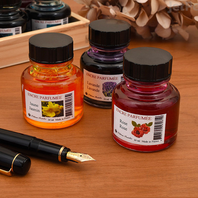 Les encres parfumées de L'Artisan Pastellier